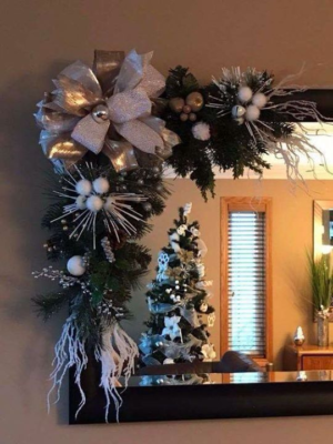Christmas Mirror Garland